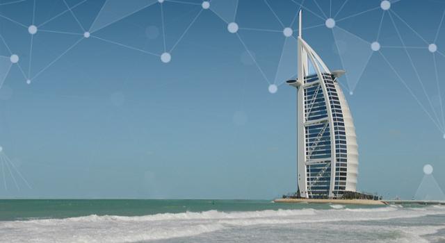 Smart Dubai, PublicDomainPictures via Pixapay, CC0, bearbeitet. Manuchi via Pixabay, CC0, bearbeitet.