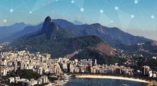 Blick auf Rio de Janeiro, ASSY via Pixapay, CC0, bearbeitet. Manuchi via Pixabay, CC0, bearbeitet.