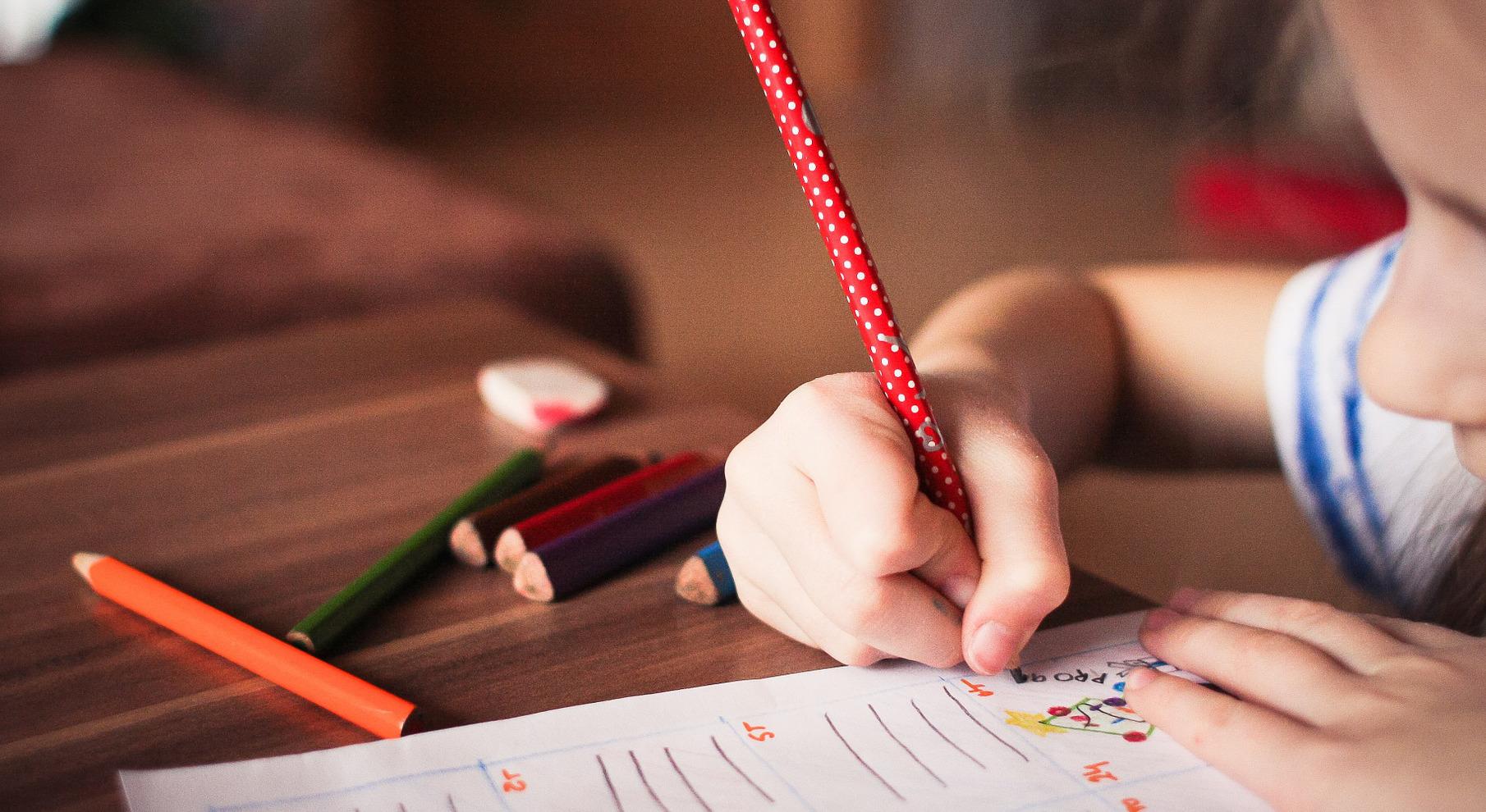 child-865116_1920_640_350, picjumbo_com via pixabay, CC0, bearbeitet.
